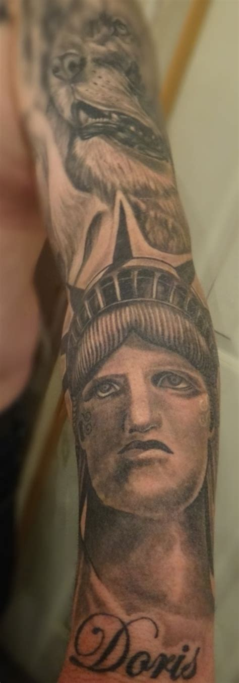 statue of liberty pin up tattoo tattoo s by richie 30 ultimate statue of liberty tattoos ideas