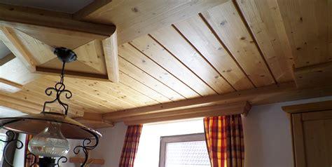 rustikale küchen schlafzimmer einrichten graues bett