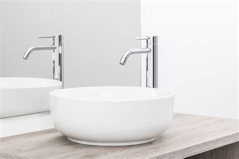 rubinetto per lavabo da appoggio miscelatore per lavabo da appoggio lavabo in ceramica
