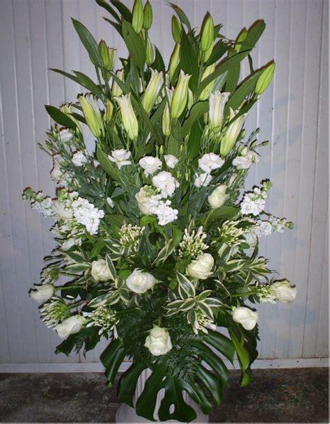 fiori funebri composizioni floreali funebri impresa funebre lucarda