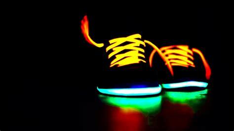 imagenes de zapatos para fondo de pantalla fondos de pantalla de zapatos de color neon tama 241 o 1024x768