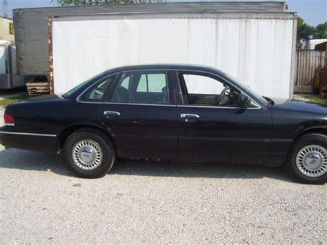 sell   ford crown victoria police interceptor sedan  door   riverside illinois