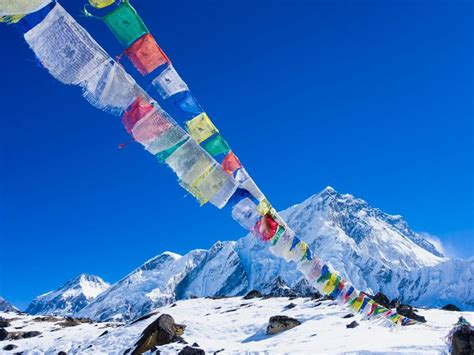 Travel Set Mt Tulipware Pl here s why nobody made it up mount everest last year smart news smithsonian
