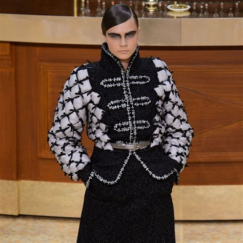 Runway Karl Lagerfeld by Chanel Fall 2015 Runway Pictures At Fashion Week