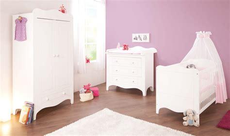 chambres de bebe lit b 233 b 233 233 volutif et commode 224 langer fleur laqu 233 blanc mat