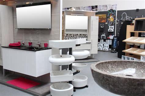 agréable Castorama Mitigeur Salle De Bain #4: magasin-baignoire.jpg