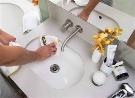 cleaning bathtub scum 51 best images about enjo on pinterest surface cleaners