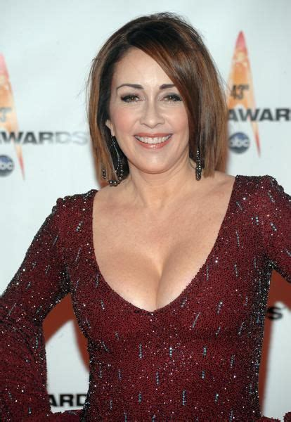 patricia heaton hairstyle first season patricia heaton cocktail party from hell pinterest
