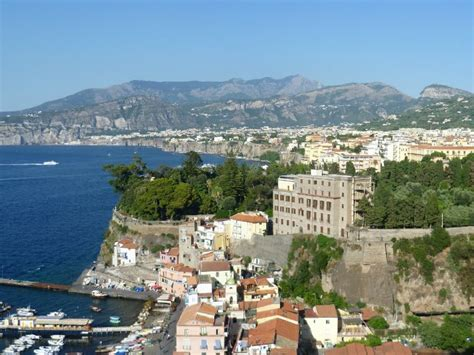 banca d italia napoli cania il turismo traina la crescita le cifre della