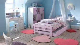 la chambre des jeunes s habille de violet