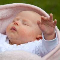 Lu Tidur Bayi makna di balik perilaku si bayi