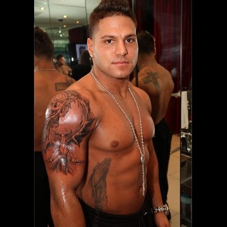 cross tattoo ronnie jersey shore ronnie s new tattoo fist pump photo 2 tmz com