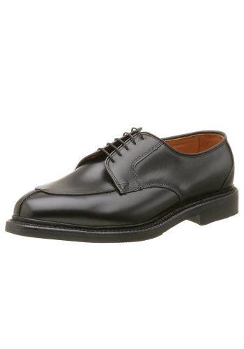 stop wearing pilgrim shoes 6 dress shoe alternatives to square toed footwear