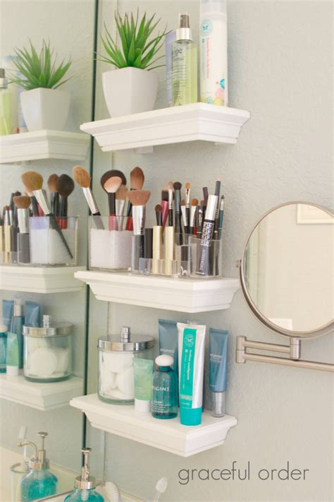 picture of small diy bathroom shelving