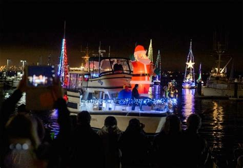 monterey parade of lights boats carmel monterey 2016 holiday season happenings events