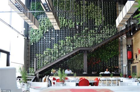 inside the world s most stylish restaurants daily mail