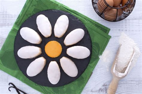foto margherita fiore ricetta torta fiore margherita la ricetta di giallozafferano