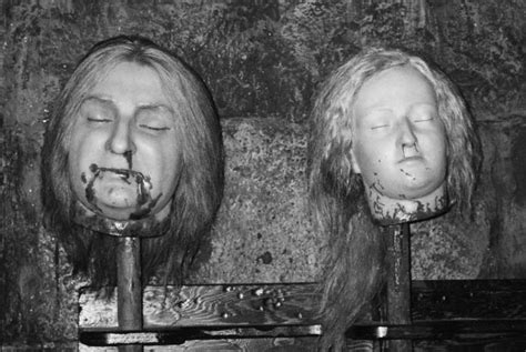 head haircut before guillotine decapitated heads of louis xvi and marie antoinette wax