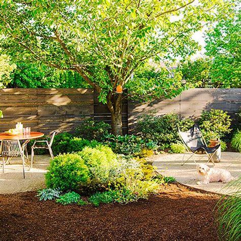 friendly backyard landscaping ideas 25 best ideas about friendly backyard on