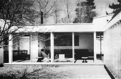 casa patio sert casa patio sert en cambridge 1958 de stepien y