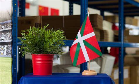 drapeau de table pays basque 15 x 22 cm bois m des