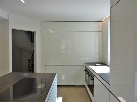 una in cucina arredare una cucina aperta sul soggiorno con eleganza