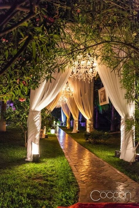 20 Creative Wedding Entrance Walkway Decor Ideas   Deer