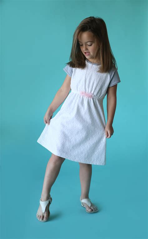 simple pattern for little girl dress the quot play all day dress quot free pattern w raglan sleeves