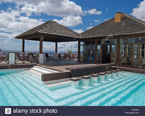 Bar Im Pool by Swim Up Bar And Swimming Pool Area At The Hotel In