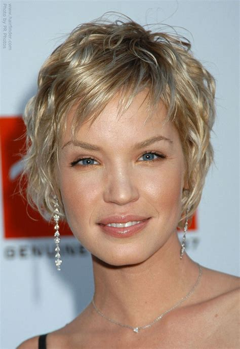 layered haircut with height on top layered haircut with height on top ashley scott sporting a