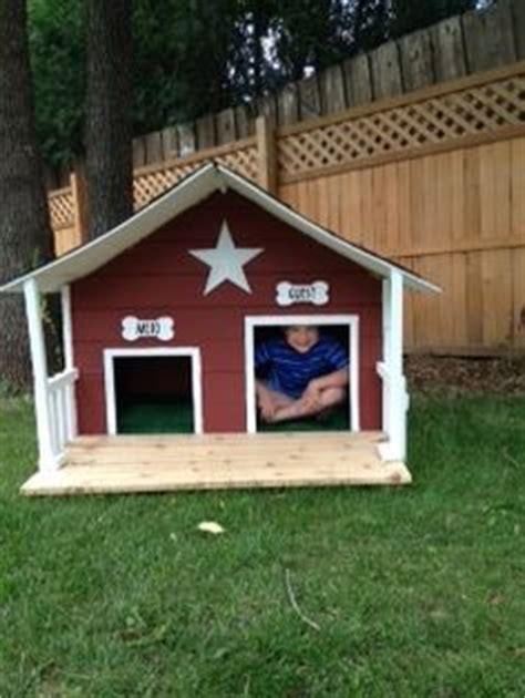 dog house door ideas 1000 images about dog house ideas on pinterest dog houses insulated dog houses and
