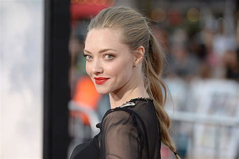 amanda seyfried tangled hottest amanda seyfried gifs ever