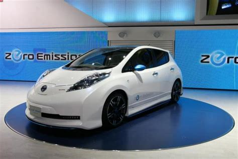 slammed nissan leaf nissan leaf nismo is an electric tuner car 2011 tokyo