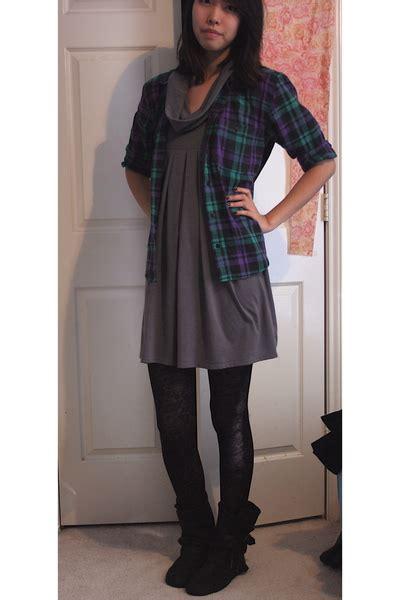 black dress gray tights brown boots