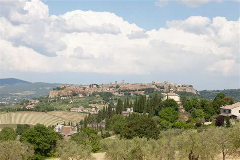 rick steves snapshot hill towns of central italy including siena assisi books orvieto what an italian hill town should be by rick steves
