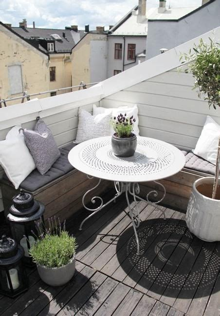 wohnfläche balkon un balcone nel tetto