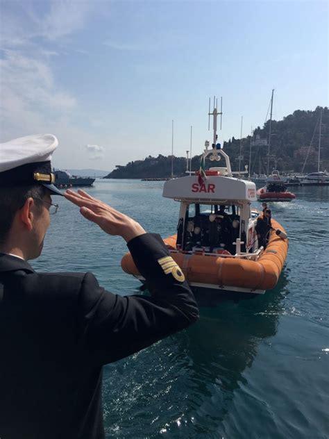 ufficio circondariale marittimo porto santo stefano guardia costiera la motovedetta cp803 saluta il circomare