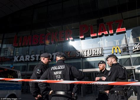 Fergies Howling Brings Out The Cops by German Shopping Centre Possible Attack