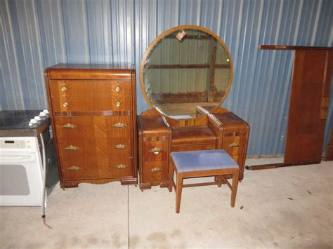 vintage deco waterfall bedroom set dresser vanity