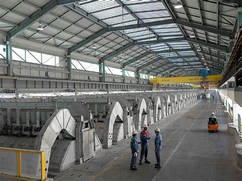 emirates global aluminium ega s alumina refinery construction project celebrates key