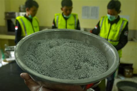 Beton Mix Bahan Penguat Beton memanfaatkan limbah ban dan abu sekam jadi penguat beton