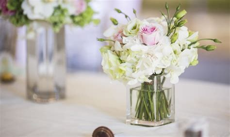 Flower And Vase Decor Picking Out The Best Flower Vases For Your Home Decor