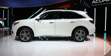 2017 acura mdx debuts in new york with new brand