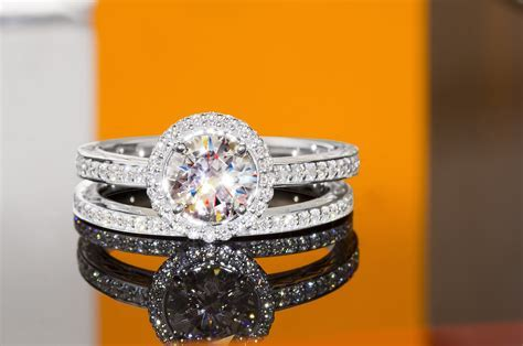 Best Place To Buy An Engagement Ring in Burlington