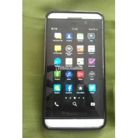 Hp Blackberry Seken hp android murah blackberry z10 white sudah 4g seken mulus