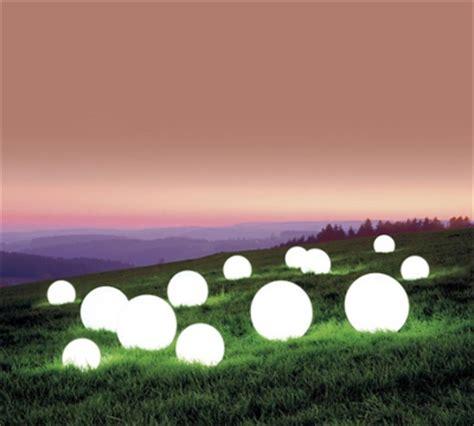 sfere luminose da giardino arredi luminosi nolopoint simplewedding arredi ed