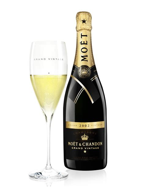 sipping moet reach out by nas