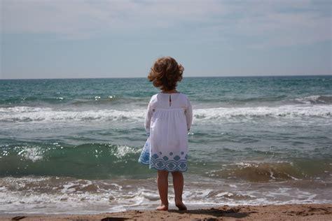 imagenes de yoga frente al mar amar el mar es bueno para tu salud