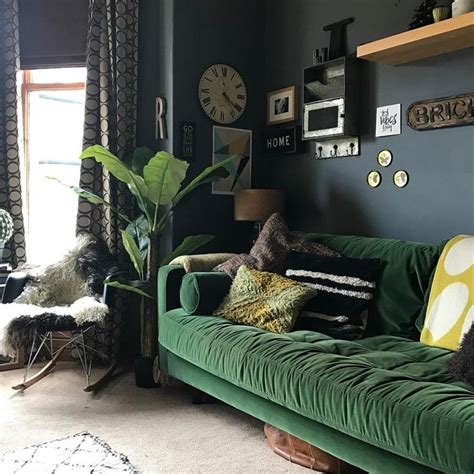 green couch living room best 25 dark green couches ideas on pinterest