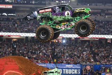 grave digger north carolina monster truck monster truck insider henry cross talks monster jam grave